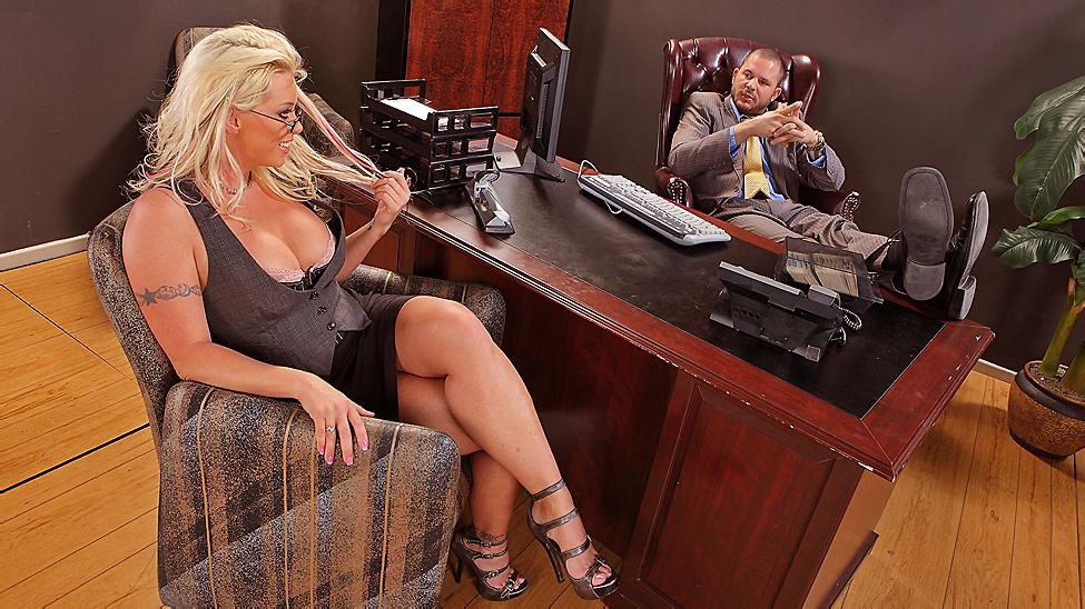Sex Brittney video skye