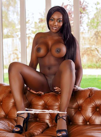 Ebony πορνοστάρ σεξ
