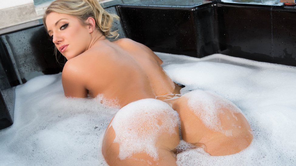 Candice dare big wet bubble butt bath-4886
