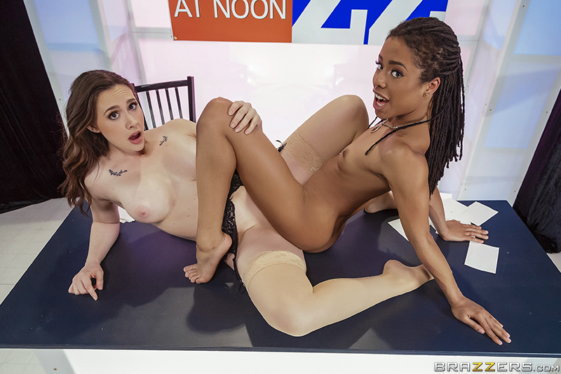 Lesbian Squirt Bukkake Orgy