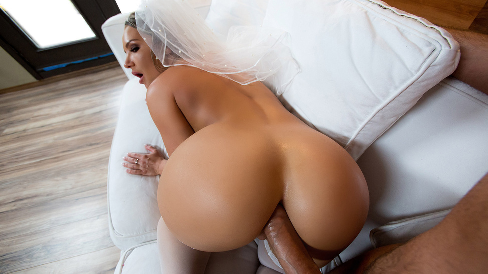 Big Wet Bridal Butt