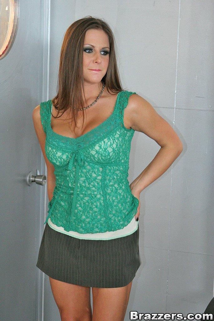 Melanie Belle Escort