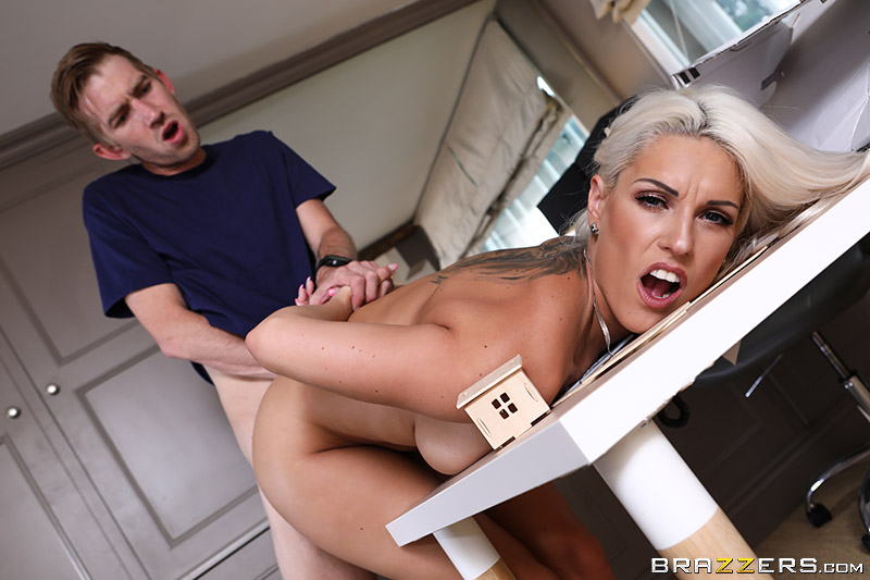 Big Butts Like It Big – Crushing His Dreams – Blanche Bradburry & Danny D