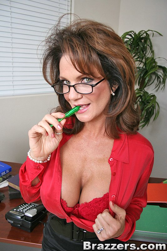 office deauxma Big tit