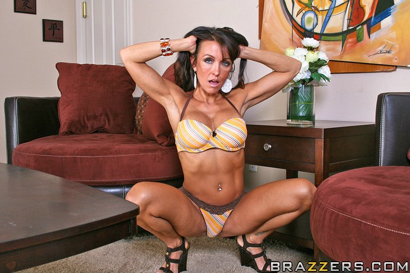 Hot mom brunette