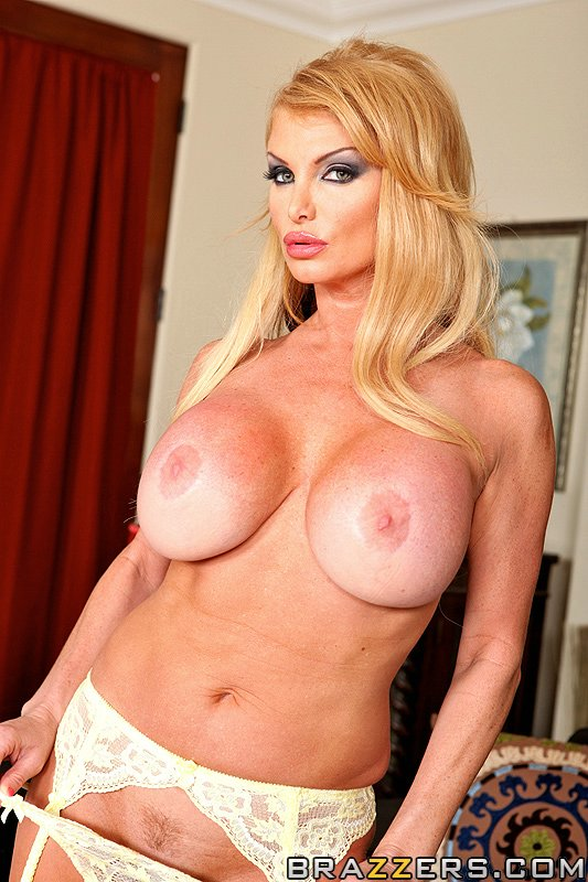 Taylor wane house of sluts