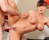 lisa ann jogging around the cock