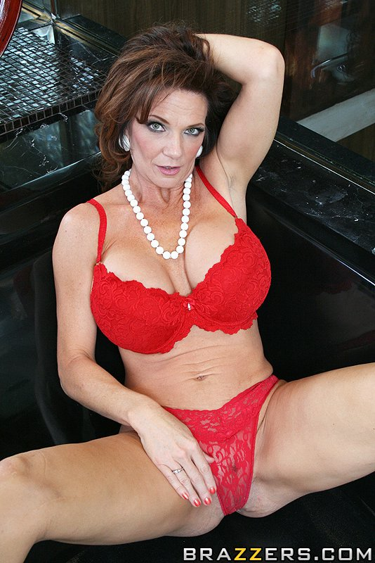 Tit mom big deauxma