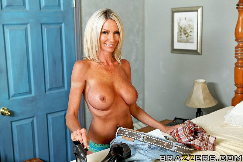 Nudewomenwithlongtoungs Jordan Starr Porn Galleries