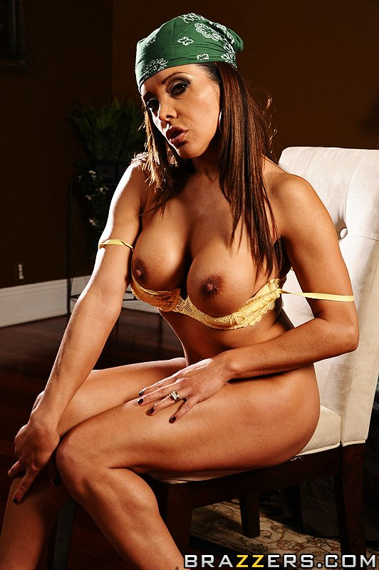 Olivia O Lovely Luscious Lopez