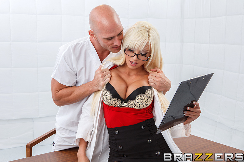 Rikki Six  - Loony Poons. bigtits bigtitsworship blonde doctor uniform brazzersnetwork @1887/rikki-six