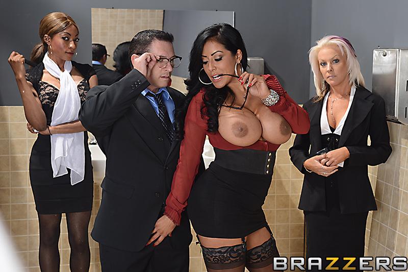 brazzers Kiara office mia
